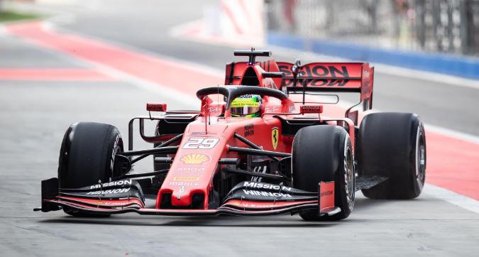 Formula 1, emozione Mick Schumacher: eccolo sulla Ferrari!