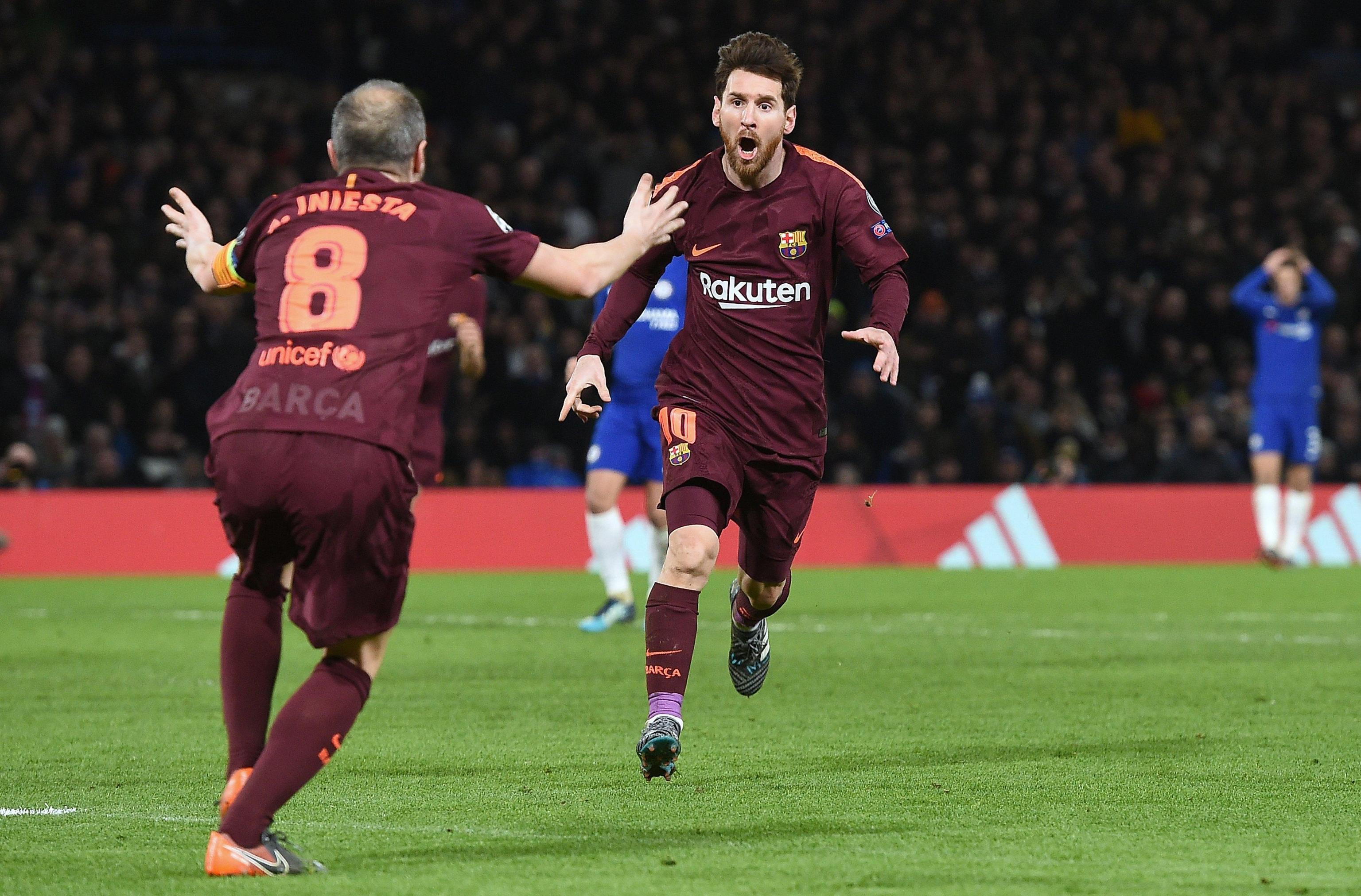 Nell'andata degli ottavi di Champions League, Chelsea e Barcellona pareggiano 1-1 e rimandano il discorso qualificazione al Camp Nou il 14 marzo. A Stamford Bridge il grande protagonista della serata è Willian, che colpisce due pali (33' e 41') e segna il gol dell'1-0 al 62'. A salvare il Barcellona ci pensa Messi al 75', ma l'errore di Marcos Alonso è davvero grave: la Pulce sfata un tabù, visto che in 8 precedenti non aveva mai segnato ai Blues.