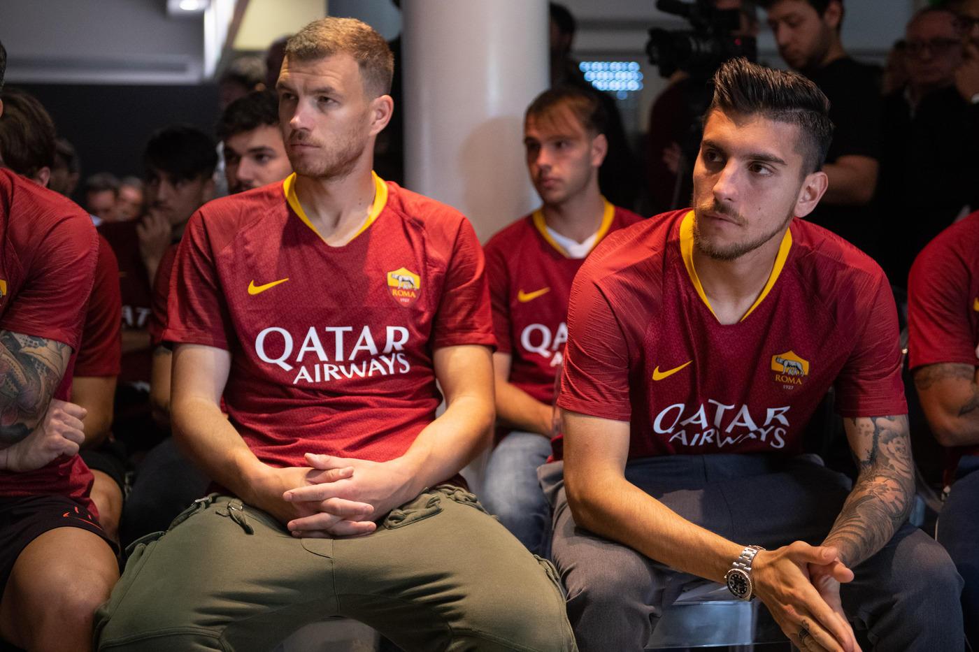 Tutta la squadra e Totti alla conferenza stampa di addio