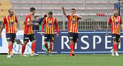 Serie B: il Lecce vince e aggancia il Brescia in testa, Cittadella ko a Salerno