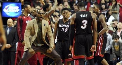 Nba: Bargnani e Datome ko, Miami vince senza LeBron