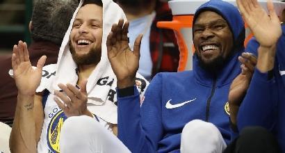 Basket, Nba: vola Golden State, si spegne la luce per i Cavaliers