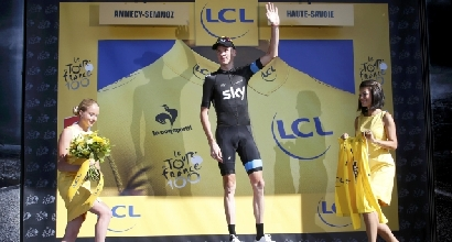 Froome sul podio (Reuters)