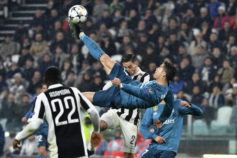 Cristiano Ronaldo segna in rovesciata allo Stadium, che gli tributerà un lungo applauso: è Juventus-Real Madrid di Champions League (3 aprile)