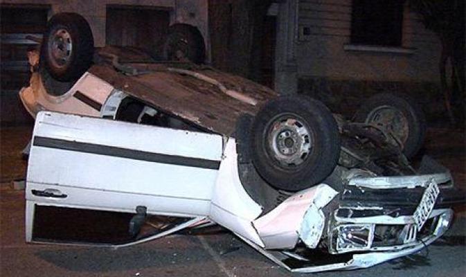 L'auto di Caceres dopo l'incidente avvenuto nel luglio 2014 a   Montevideo