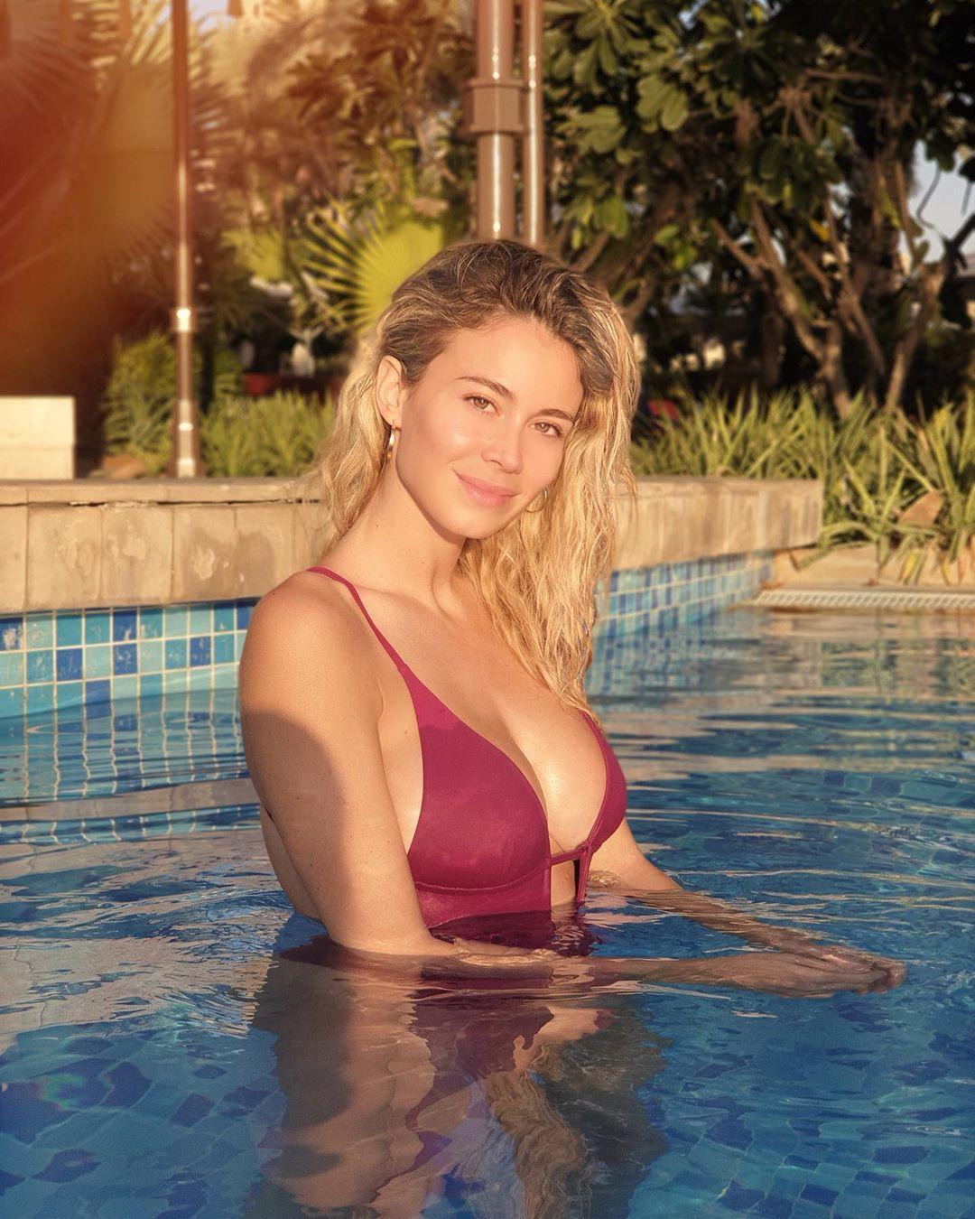 Diletta Leotta continua a splendere su Instagram, dove ha condiviso sul suo profilo un pomeriggio di relax in piscina. La giornalista sportiva, in spl...