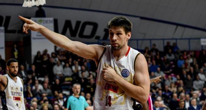 Basket, playoff: Venezia-Trento 87-62, Reyer in semifinale contro Cremona