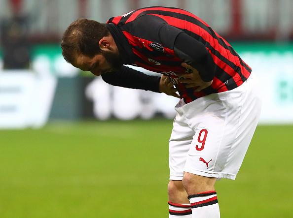 Gonzalo Higuain, stagione 2018-19: è il colpaccio del Milan targato Leonardo. Parte alla grande, segna 5 gol nelle prime 7 partite, poi il rigore sbagliato contro la Juve lo manda in tilt. Segna un'altra rete (alla Spal) nella sua ultima presenza: in tutto sono 6 in 15 gare (più 2 in Europa League). Va via a gennaio.