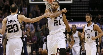 Nba: gli Spurs vincono in volata, per Belinelli 13 punti