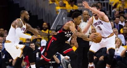 Basket, playoff Nba: vittorie per Cleveland e Houston