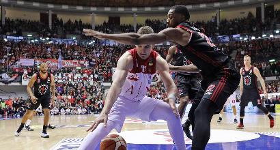 Basket, Serie A: Milano vince in rimonta a Trieste, Varese perde contro la Virtus