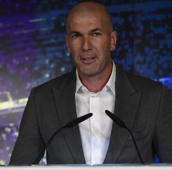 """Real, Zidane: """"Sono tornato a casa"""". Perez: """"Grazie di essere qui"""""""