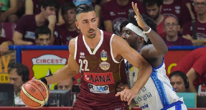 Basket, Sassari pareggia i conti