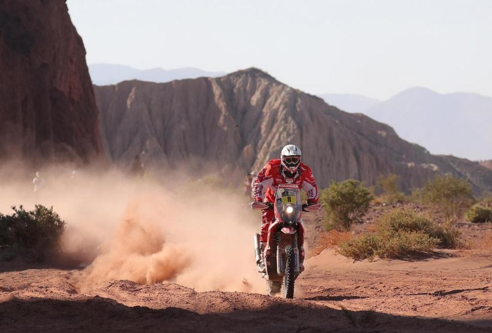 Dakar, terza tappa a Barreda e Peterhansel