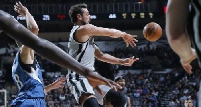 Nba: Belinelli super, gli Spurs volano