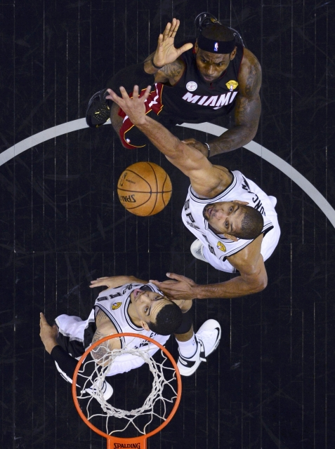 Miami vola con LeBron James e Wade