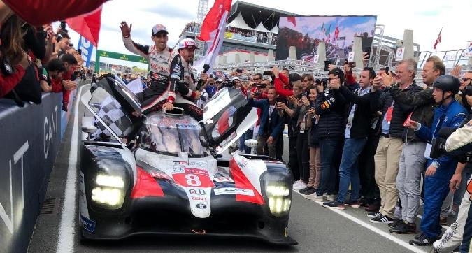 Alonso, colpo doppio: ancora sua la 24 Ore di Le Mans e festa Mondiale