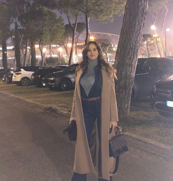 Ciro Immobile diventerà padre per la terza volta. Dopo la vittoria nel derby, l'attaccante della Lazio ha dedicato il gol alla moglie Jessica in dolce attesa: dopo due femmine, ecco il maschietto che magari ripercorrerà le orme del papà.