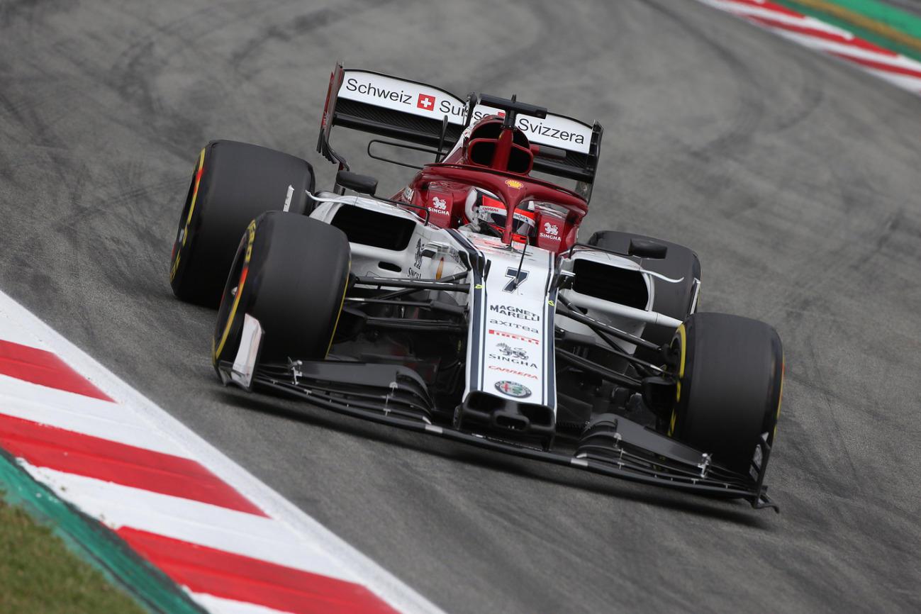 Il finlandese centra la terza pole di fila a Barcellona
