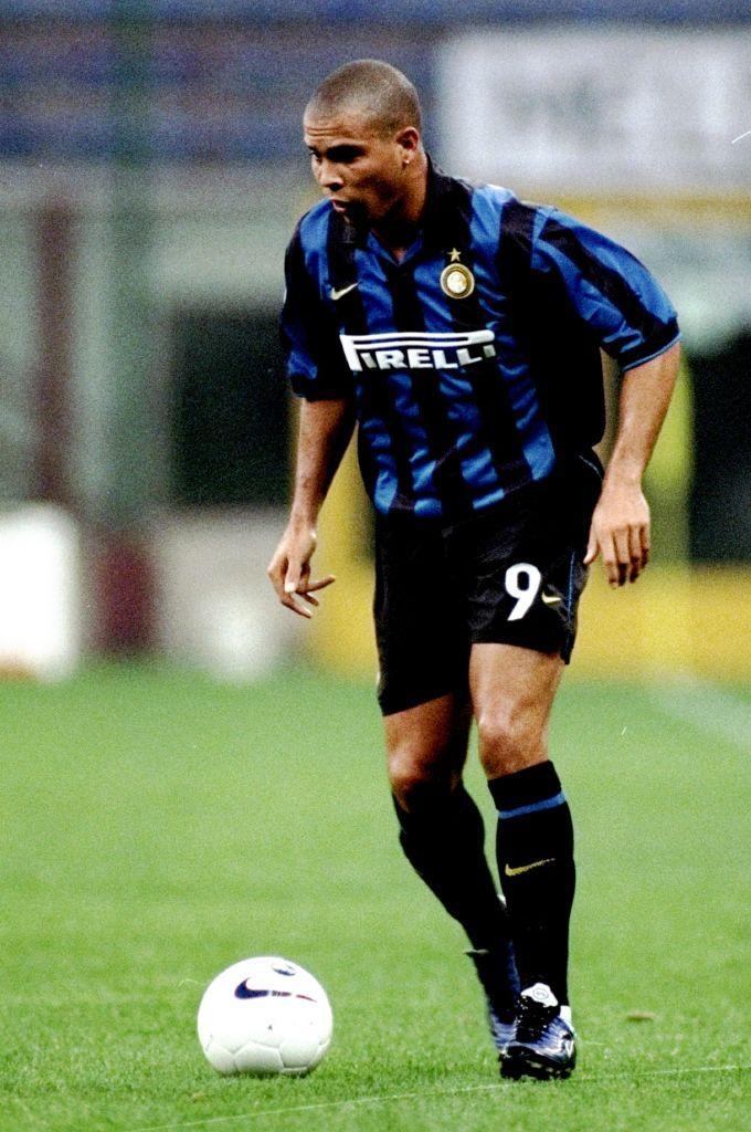 10) Ronaldo, 1997: 27,37 milioni di euro dal Barcellona (cambio con le lire: 53 miliardi)