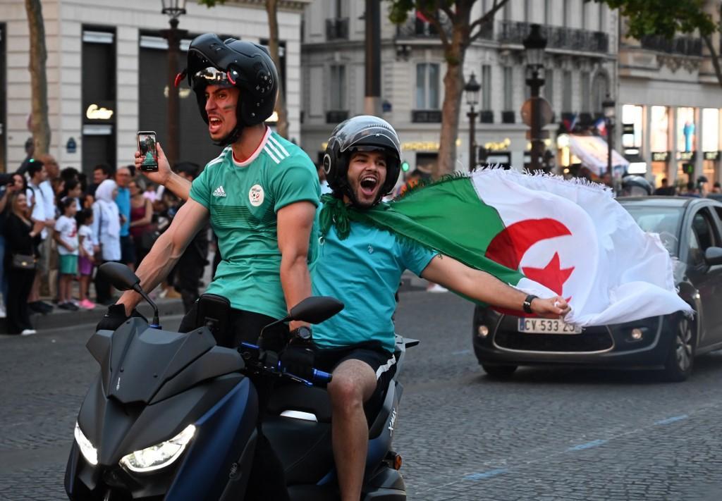 Coppa d'Africa: festa Algeria, caos in Francia