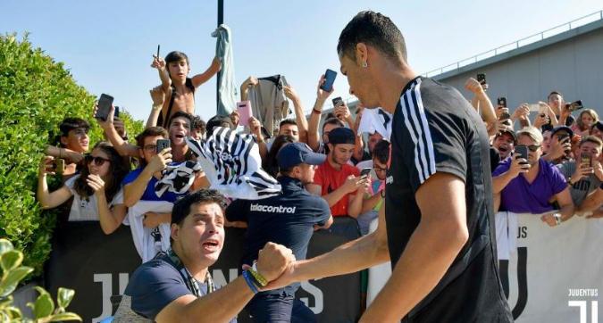 Ronaldo, visite mediche e primo allenamento con Sarri