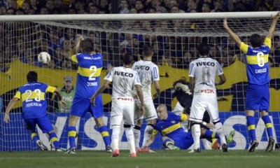 Roncaglia firma il vantaggio del Boca, Afp