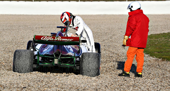 Alfa Romeo, Raikkonen nella sabbia al Montmelò