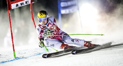 Sci, gigante Are: dominio Hirscher, azzurri lontani