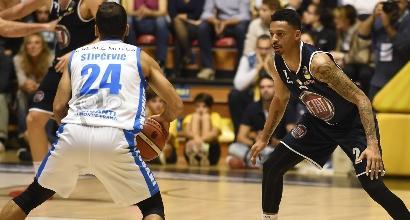 Basket: Cantù batte Cremona, Torino ha la meglio su Sassari