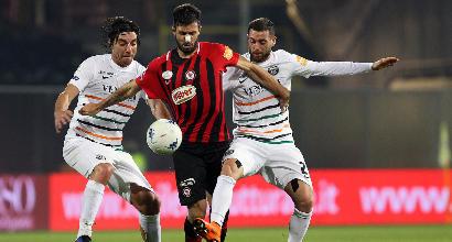 Serie B - Il Foggia non si sblocca: pari con il Venezia