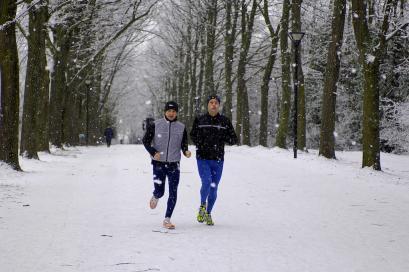 Cambia tutto, arriva l'inverno: ecco come allenarsi nella stagione più fredda