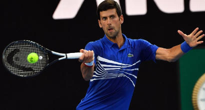 Australian Open, Djokovic e Zverev al 2° turno. Halep avanti col brivido