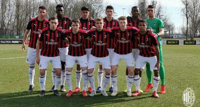 Milan, sorriso Caldara: 45' con la Primavera. Maldini Jr, che punizione!