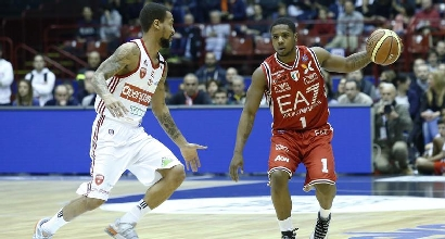 Basket, Serie A: il derby è di Milano, Varese si inchina