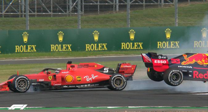 Vettel tampona Verstappen