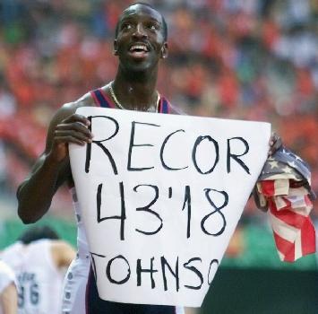 Rio 2016, l'incredibile record di Van Niekerk nei 400 metri: cancellato Michael Johnson