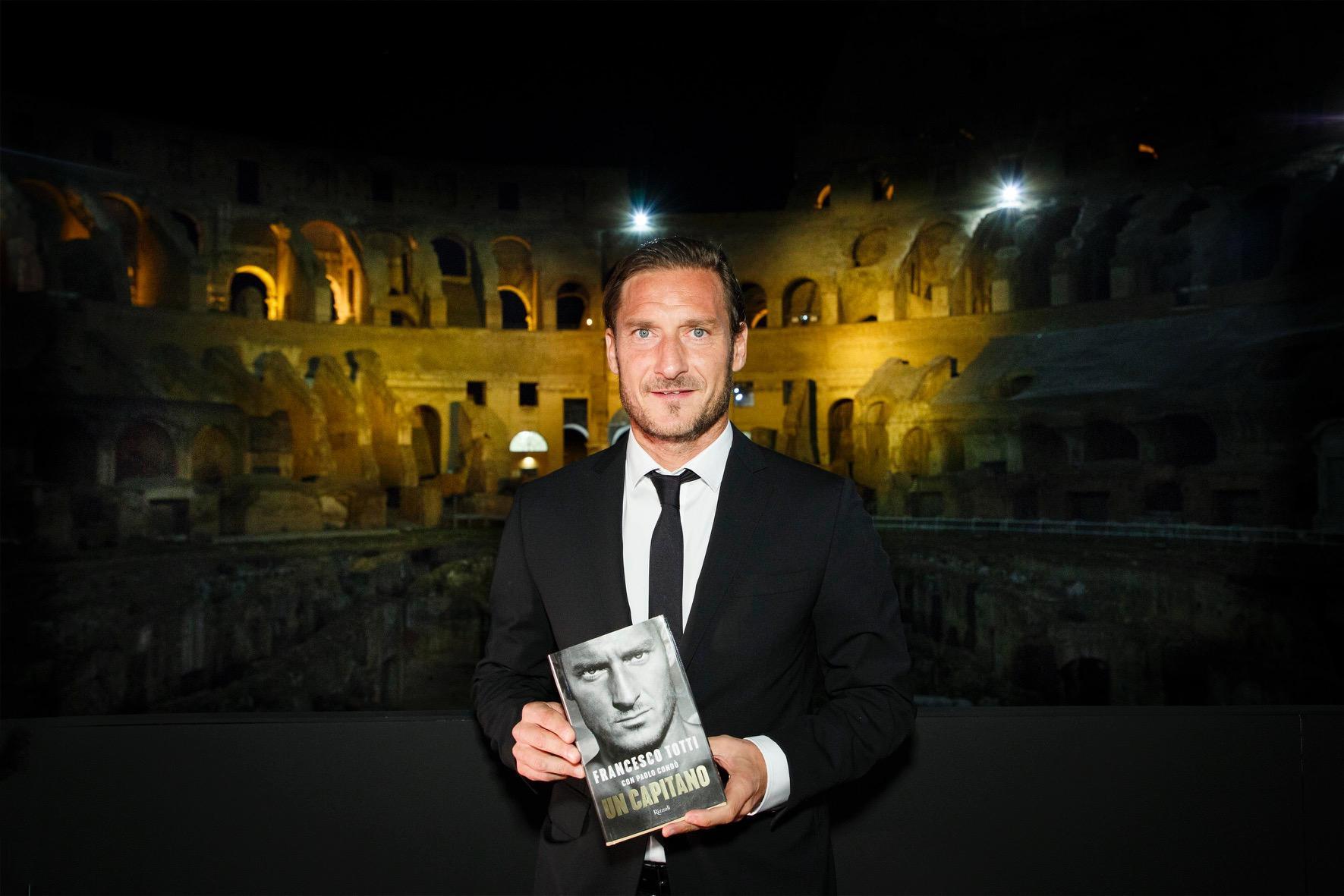 Il Colosseo acclama il suo Gladiatore