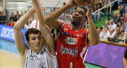 Basket, playoff Serie A: cuore Siena, con Reggio Emilia è 2-2