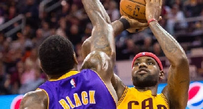 Nba: rullo Cavs, Spurs ko a Toronto