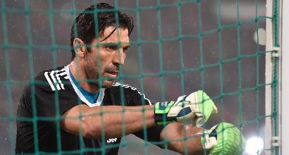 """Buffon-day, Casillas: """"Ti auguro il meglio"""". Mancini: """"Simbolo di lealtà"""""""