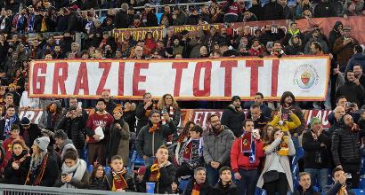 """Totti ai tifosi della Roma: """"È stato un onore rendervi fieri di questi colori"""""""