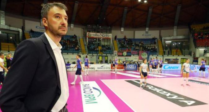 Lutto nel volley: è scomparso Miguel Angel Falasca, tecnico della Saugella Monza