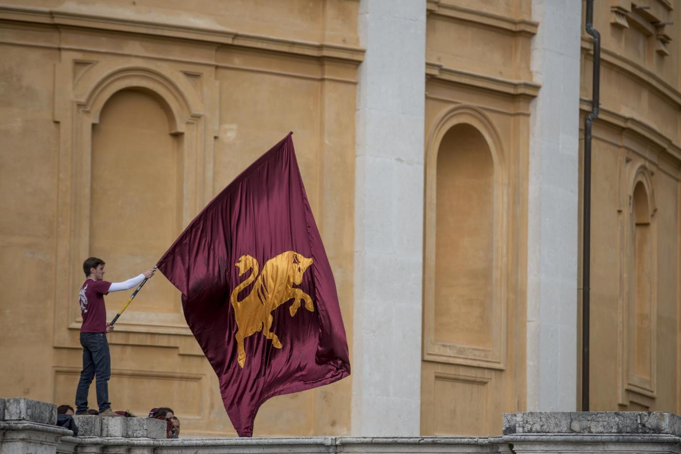 Superga: Belotti legge i nomi del Grande Torino