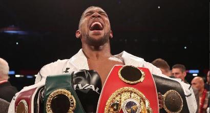 Boxe, Joshua batte Parker ma solo ai punti: resta il super re dei massimi