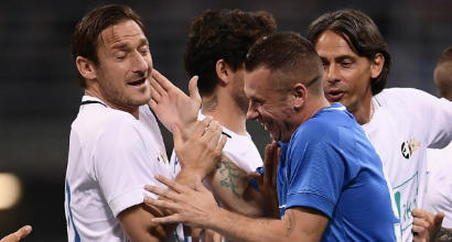 """""""La notte del maestro"""": l'addio al calcio di Pirlo"""