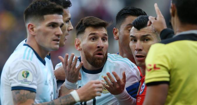 Argentina, Messi furioso: diserta la premiazione. Poi attacca: