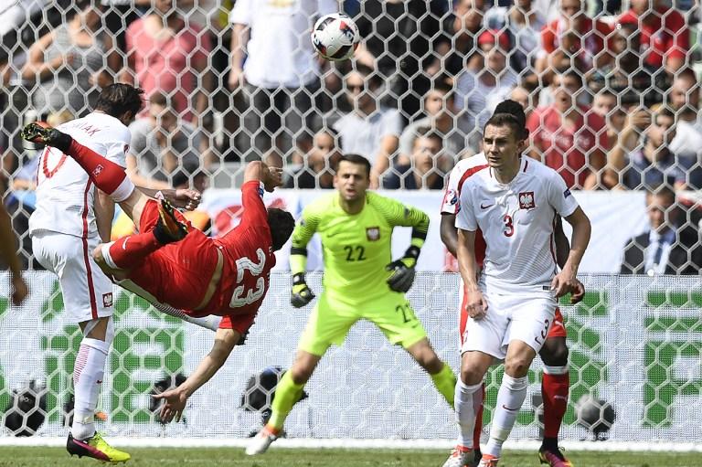 Shaqiri in rovesciata: il gol più bello di Euro 2016