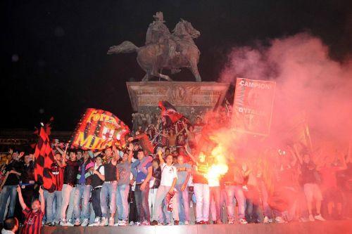 La festa in piazza Duomo
