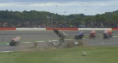 MotoGP, GP Silverstone: terribile incidente per Espargaro e Baz